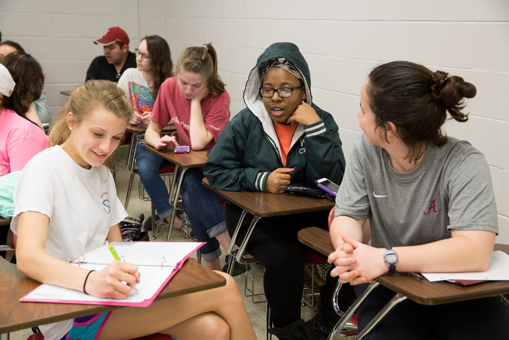 Students in Dr. Gilpin's psychology class